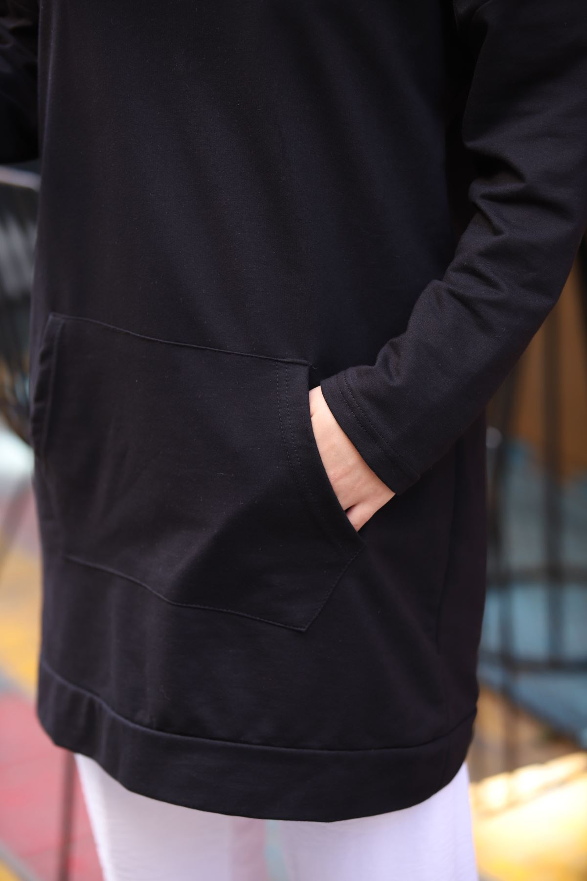 Kanguru Cepli Kapşonlu Sweatshirt - Siyah